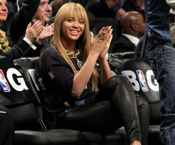 Beyonce Looking to Buy Houston Rockets