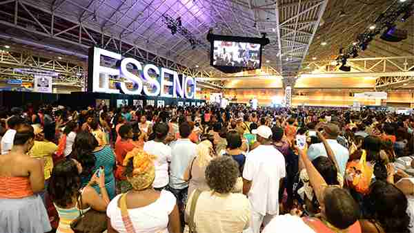 Mary J Blige and Janet Jackson to Perform at Essence Festival 2018